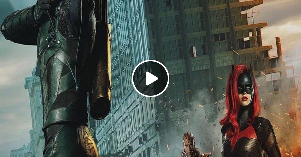 Elseworlds Part 2 (Arrow): Capes and Lunatics Episode #82 2