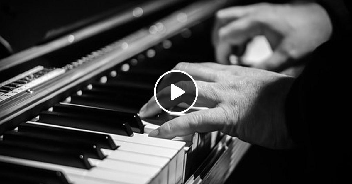 Amapiano Xmas Mix 2018 (Dikota) by DJ SaSa Da Bohemian
