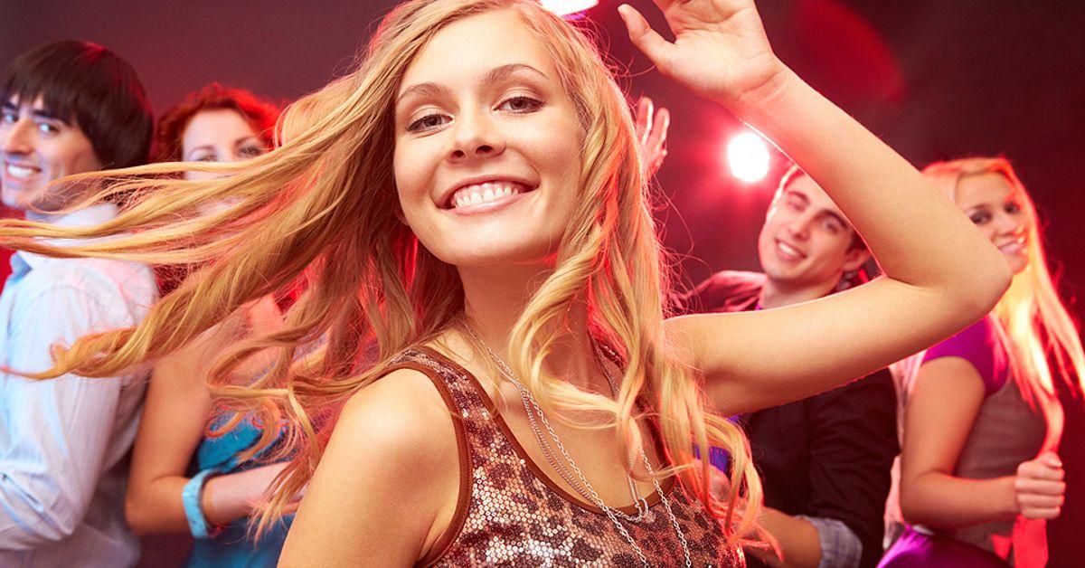 две блондинки зажигают в клубе - 14