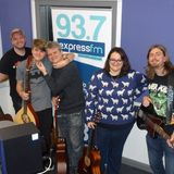 Russell Hill's Country Music Show on Express FM feat. BEMIS + Caz Batten. 24/12/17