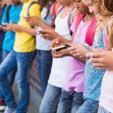 Micro-Trottoir : que penses-tu de l'interdiction du smartphone au collège ?