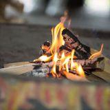 """Feuer im Foyer - """"30 fires"""" von EMERGE und das Lagerfeuer aus dem Märchenzelt"""