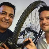Enzo Colombo Borgetto y Candela Koludrovich  en Baires en Bici 02-03-19