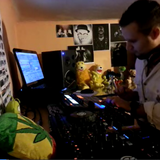 The Plumberman-First Ustream Broadcast with some Maschine Live Fun
