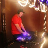 DJ Mixing In Style House Mix