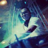 EDM mix by Vee Opiah