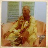 H.H. Kavicandra Swami Class - Sri Sri Radha Kunjavihari Ashram
