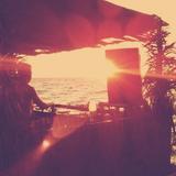 DJ Dean 'Sunshine' Smith - Toe-tappin' Tiki Bar mix 2011