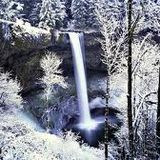 The Frozen Waterfall - DJ Jefferson Vandike aka DJ Apache.