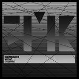 E.M.C. goes to OASI: CØSMO live @HØLE club (16.01.16)