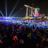 lululemon Yoglo iLight @ Marina Bay: Betty and Brittanie Yoga feat. Amanda Ling - Yoglo Doopz Mix