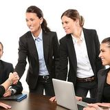 Etiqueta corporativa: gentilezas acabam quando o trabalho começa
