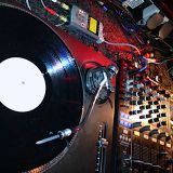 dj.enne wide ranged house & strictly vinyl live djset at pulverturm revival. ampere munich 190613