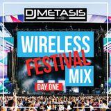 #Wireless Day 1   Tweet @DJMETASIS