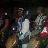 Momo met zijn drummers in paradiso, pal na de paradiso show van het ABG, 28 dec 2008