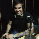 JUNAID KHAN'S EXCLUSIVE MAST FM 103 INTERVIEW BY DR EJAZ WARIS