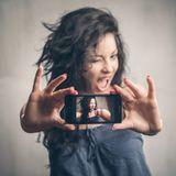 Le Selfie: mot de l'année 2013; ennemi de l'année 2016?