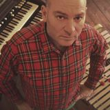 This week, Ian Shaw is chatting to James Taylor right in front of the stage at Ronnie Scott's.