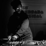 Questlove DJ Set (30min) LIVE @ Só Pedrada Musical 5 Anos (Sao Paulo, 2011)