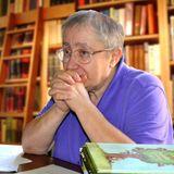 """Исследователь детской литературы Анна Годинер рассказывает о детском чтении. Тема """"Семья и школа""""."""