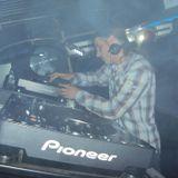 dj Dennis @ The Kings Club - New Year 2011-2012 (4h30 live music)