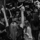 ValiK ed142 Sambata ON TOUR (Warm-up)  Queen's Pub resident