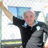 """""""Estamos buscando a un central y a un delantero"""", Santángelo"""