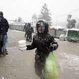 Thousands of refugees in danger of 'freezing to death' in Greece