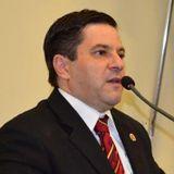 """""""Fui eleito para representar o povo"""". Professor Dê explica voto contrário ao aumento do IPTU."""
