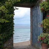 Adam Ten - Open Doors . Episode 1 .