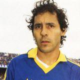Homenaje a Roberto Cabañas