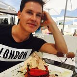 IBIZA LIVE RADIO - The Interviews - One Hour with STEVEN JONES - 13th August 2015 -