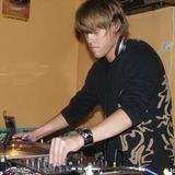 trevor matthews ~ on decks ~ may 2005 issue ~ phocas.net