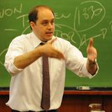 Informativo Forever: Entrevista con el Ec. Julio Jose Prado - 13 medidas para enfrentar la crisis