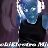 (I Am On This Cloud Mix) NickiElectro HomeConsumRecords Set 02.03.2012
