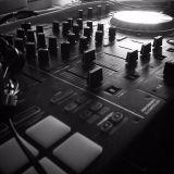 Deep House & Heinekens (Live Mix Fri Feb 12)