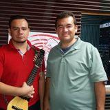 CL 110917  Luthier Miguel Angel Serrano Charangos Mallku y  Douglas Delgado