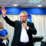 Apóstol Robin Olivares - Lidiando una Batalla Legal y Militar
