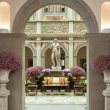Four Seasons Lobby Guest