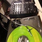 Short Vinyl Techno mix by Steve Medison
