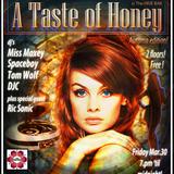 HoneyStrut