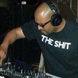 A Little Ufo DJ RON C