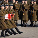 Kierunek Rodzina: Czy łatwo rozśmieszyć żołnierza pełniącego wartę honorową?