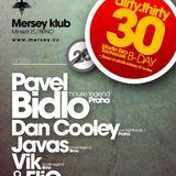 vik @ elio birthday party, mersey klub 21.01.2012, start 4:30