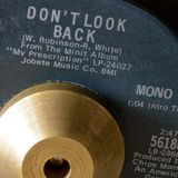 DON'T LOOK BACK - Le Fonque 2011-01-01