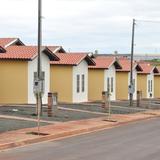Ouvinte diz que casas populares entregues recentemente estão sendo alugadas