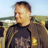 SETS und Mixe nur hier: www.mix.dj/derberber/