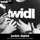 junkie digital // TWIDLxms // kerstmiddag // club innocent // 24th december 2016