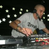 Dj Neil @ In More Music (INtrusos 02, 24-05-02)