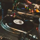 VINYL & ART FAIR: Gin & Phonics + The Ruskin // Promo Mix